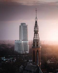 Stadt der Kontraste (DUO-Gebäude, Kathedrale Saint-Joseph, Groningen) von Harmen van der Vaart