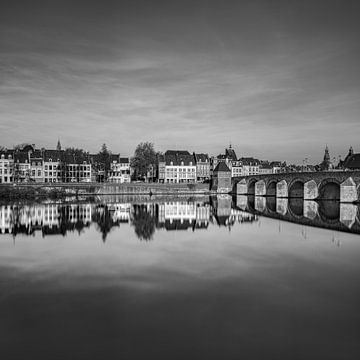 Pont de Sint Servaas, Maastricht noir et blanc sur Teun Ruijters