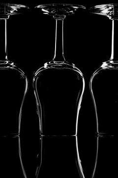 wine glasses van Shadia Bellafkih