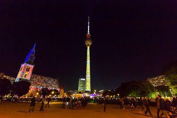 L'Alexanderplatz de Berlin sous un éclairage particulier