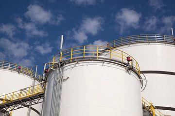 opslagtanks voor vloeistoffen van Bernadet Gribnau