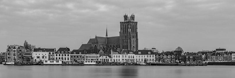 Panorama van Dordrecht met de Grote Kerk - 2 van Tux Photography