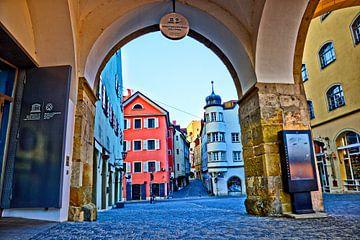 Poort naar de historische oude stad van Regensburg van Roith Fotografie