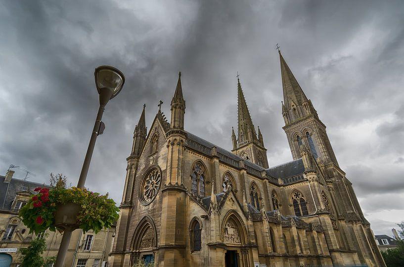 Basilika in der Normandie von Mark Bolijn