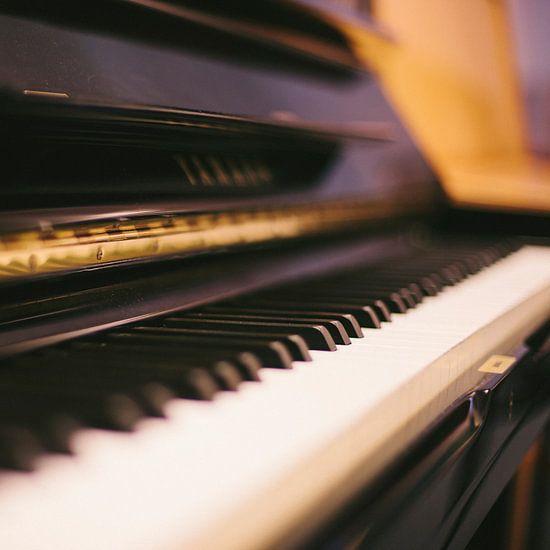 Piano van Colin van der Bel