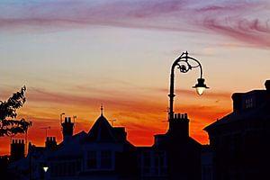 Silhouette d'un réverbère et d'une cheminée sur Loretta's Art