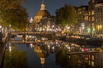 Amsterdam des nachts van Richard Steenvoorden