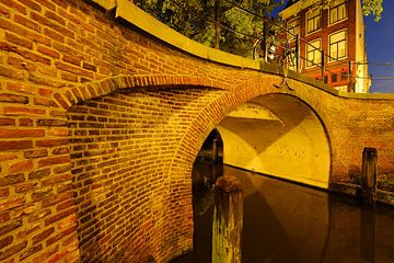 Magdalenabrug over Nieuwegracht in Utrecht  van