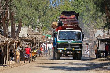 Taxi in Madagaskar van Antwan Janssen