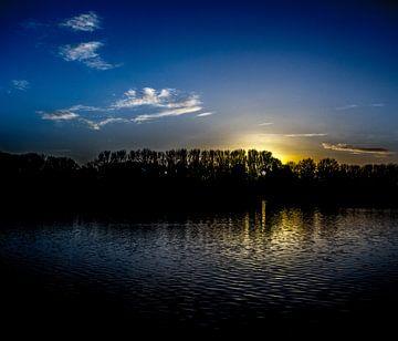 Zonsondergang aan provinciaal domein De Gavers van
