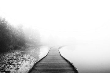 Mistig water landschap von Marloes Bogaarts