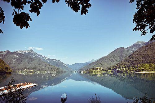 Noord Italie bergmeer van