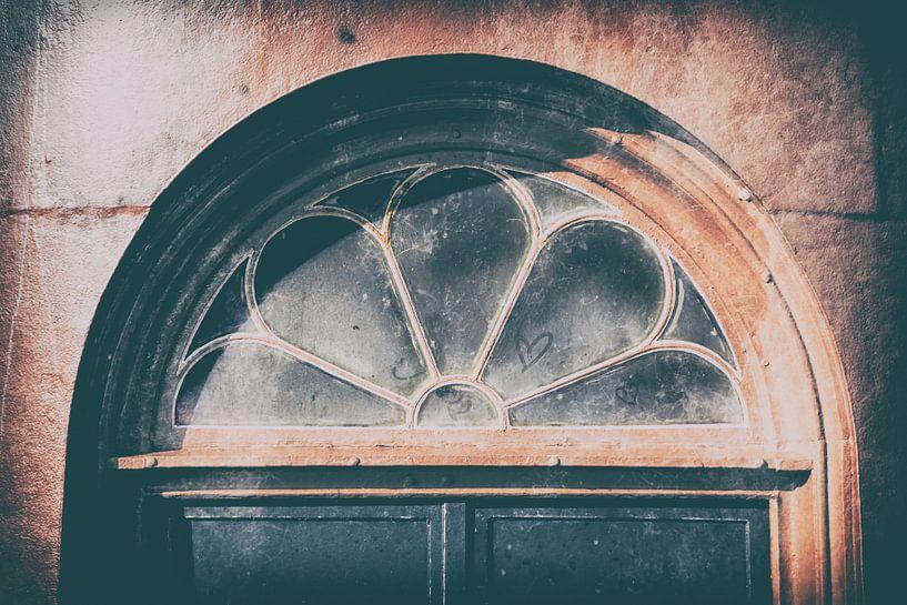 Raam met deur ijzeren torentje Westkapelle van Ria Peene