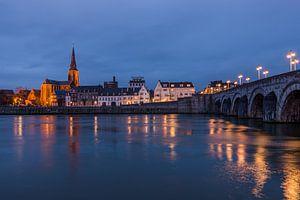 Maastricht bij nacht van