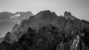 Berglandschap in zwart/wit van