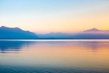 Sonnenuntergang Alpen Chiemsee van Holger Debek