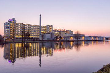 Van Nelle Fabriek in gouden uur in Rotterdam van Maarten Hoek
