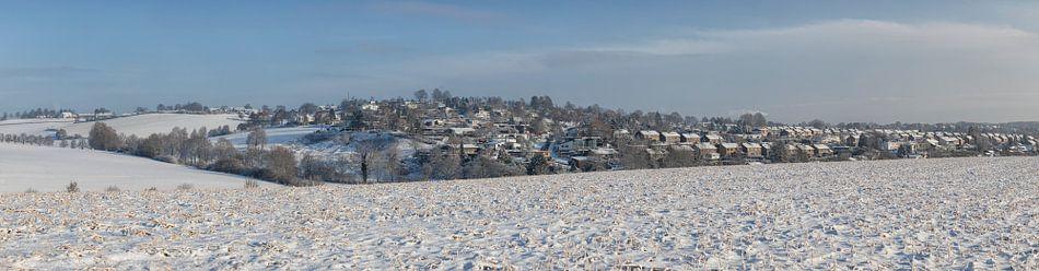 Winterpanorama van de wijk Hulsveld in Simpelveld von John Kreukniet