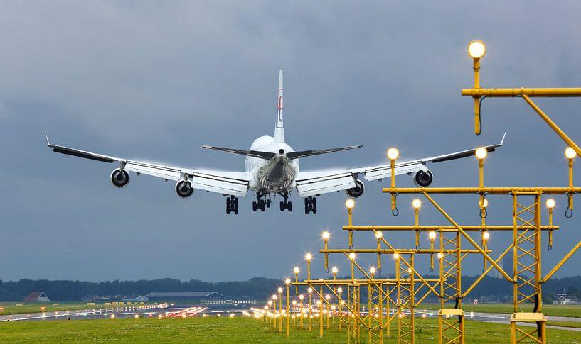 Vliegtuig tijdens landing van Inge van den Brande
