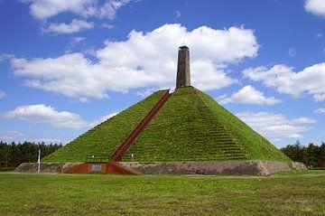De pyramide van Austerlitz. van Jarretera Photos
