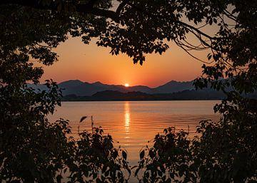 Romantischer Sonnenuntergang von Remco Piet