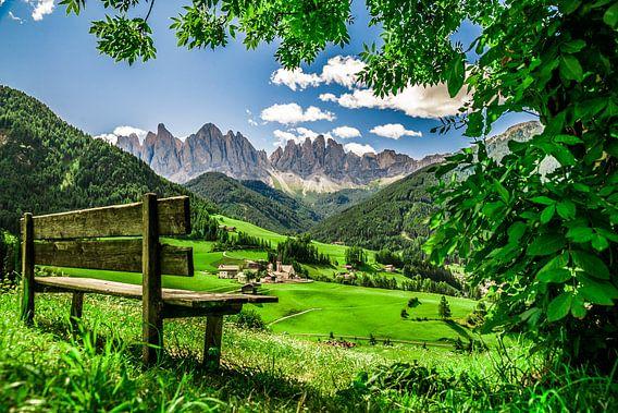 Bankje in de Dolomieten van Zuid-Tirol
