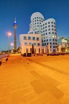 Im Medienhafen Düsseldorf von Michael Valjak