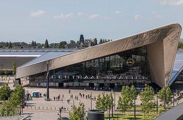 Het Centraal Station van Rotterdam vanuit een unieke hoek van
