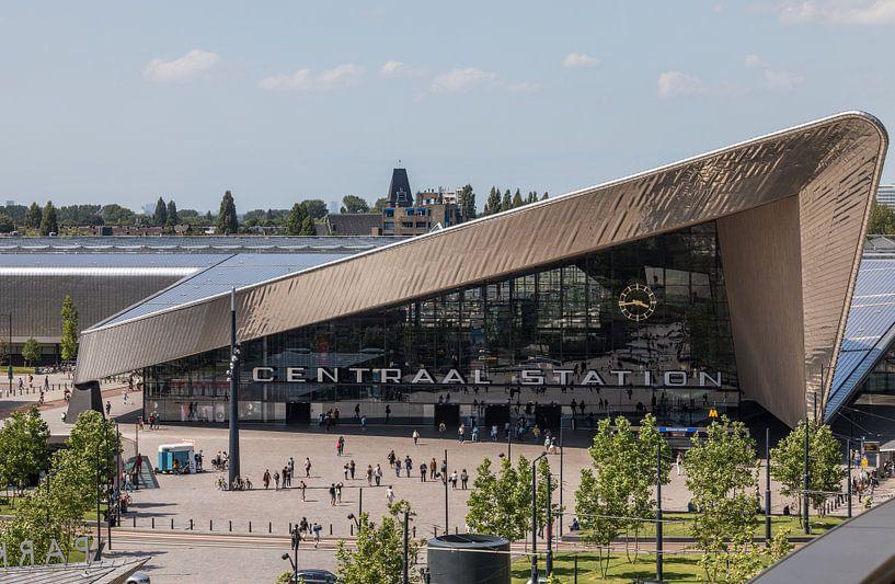 Het Centraal Station van Rotterdam vanuit een unieke hoek van MS Fotografie | Marc van der Stelt