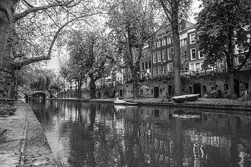 Gracht in Utrecht van Ramona Stravers
