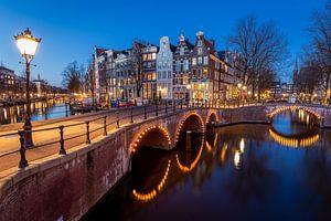 Amsterdam in de avond van OCEANVOLTA