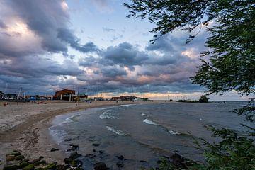 zonsondergang  op het IJsselmeer van Harmke Kramer Post