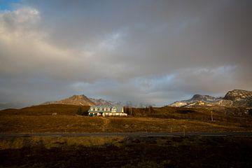 Abgelegenes Haus in Island von Marcel Alsemgeest
