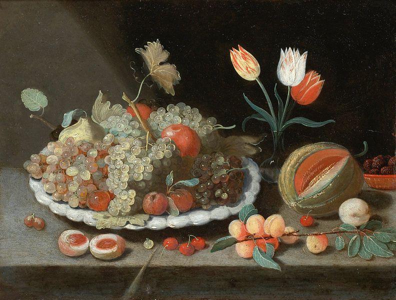 Stilleven met druiven en ander fruit op een schotel, Jan van Kessel van Meesterlijcke Meesters