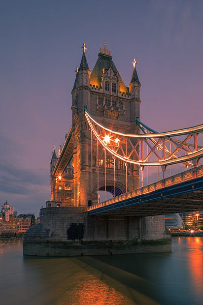 Tower Bridge over the River Thames, London, England. van Henk Meijer Photography