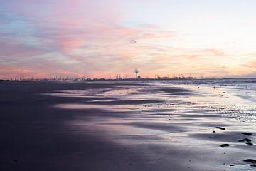 Het laatste licht op strand van