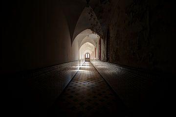 Abandoned monastery von Oscar Beins