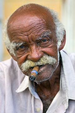 Eine Zigarre... auf Kuba von Henk Meijer Photography