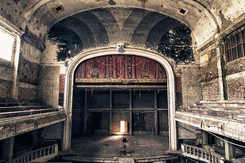 Verlaten theater - België von Frens van der Sluis