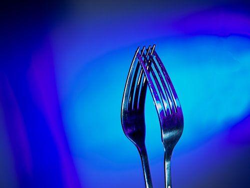 Twee vorken zo blauw