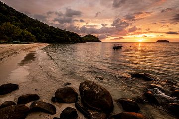Zonsondergang op het strand van Femke Ketelaar