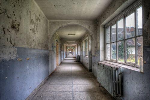 Ecole Labyrinthe urbex van