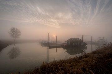 Haven Maurik zonsopkomst met mist van Moetwil en van Dijk - Fotografie