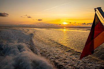 Sonnenuntergang im Wattenmeer vor Pellworm von Alexander Wolff