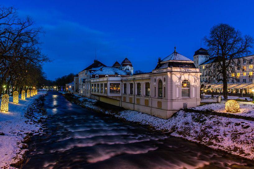Winter am Fluss van Heinz Grates