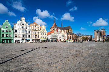 Blick über den Neuen Markt in der Hansestadt Rostock von Rico Ködder