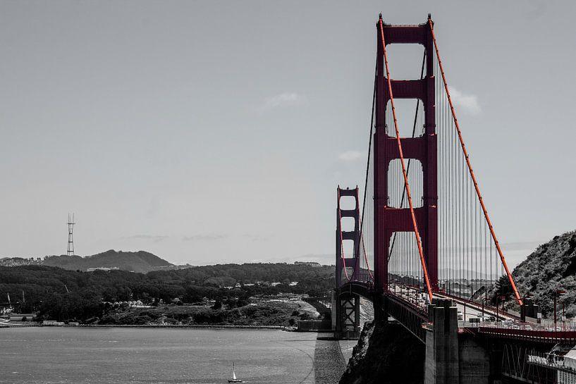 Golden Gate Bridge van Johnny van der Leelie