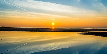 Reflectie in een kimmetje van Richard Steenvoorden