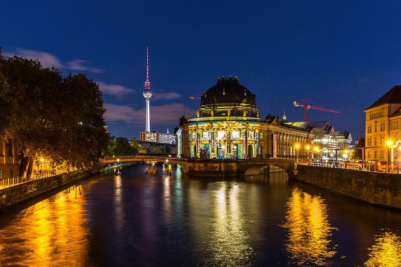 Berlin avec son Bodemuseum et sa tour de télévision sur Frank Herrmann