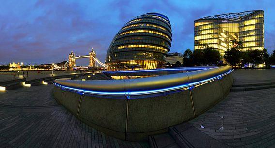 London Skyline met Tower Bridge
